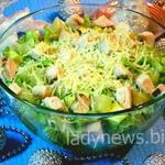 Салат с курицей, авокадо и ананасами — рецепт с фото