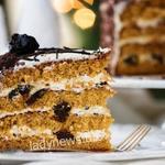 Праздничный торт Медовик с черносливом — вкусный рецепт